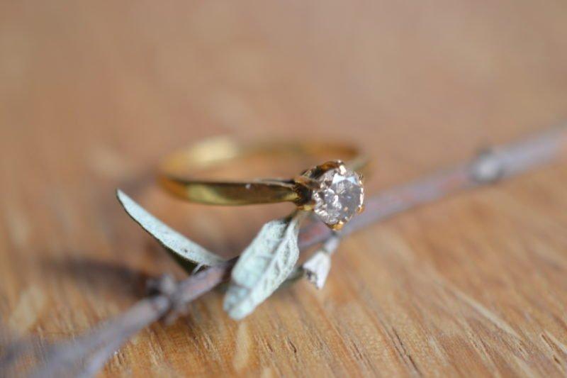 bague solitaire vintage or jaune et diamant