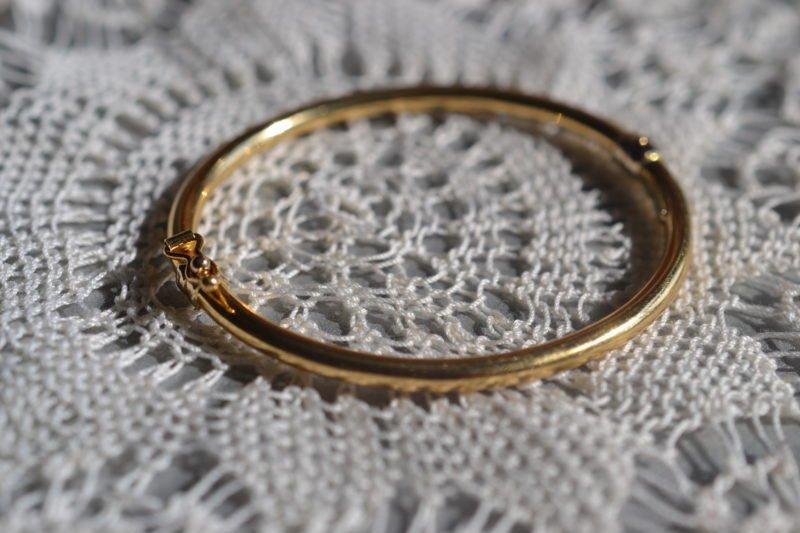 Bracelet Ovale Jonc Ouvrant
