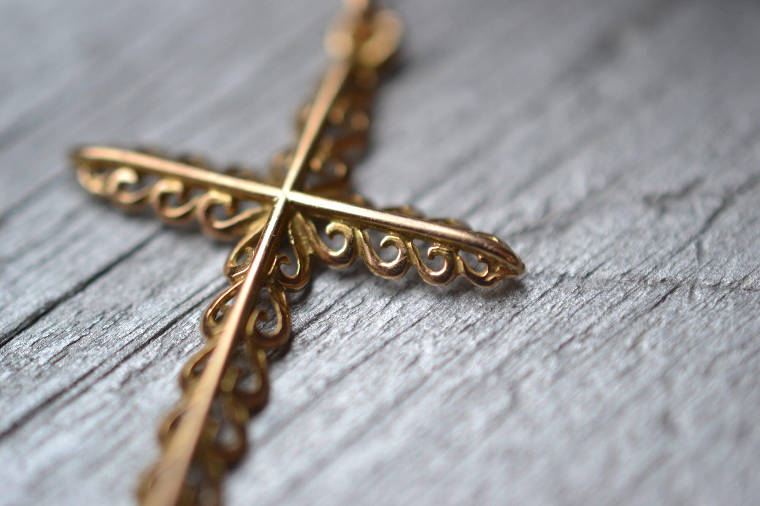 Croix Vintage - en Or massif 18 carat - Bijoux anciens