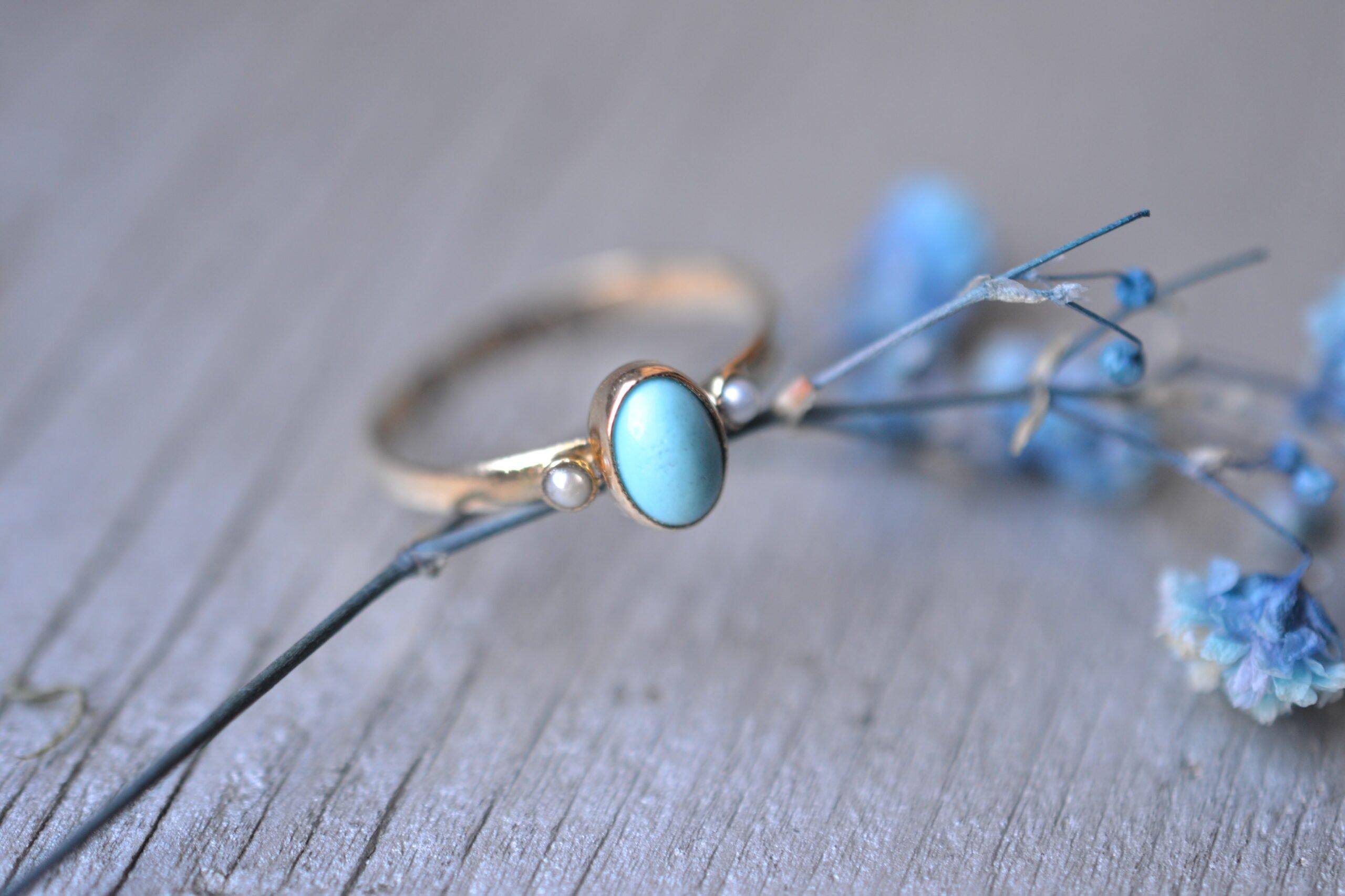 Bague Vintage Ancienne En Or Jaune 18 Carats 750:1000 Perles Et Turquoise - Un Bijou Noircarat