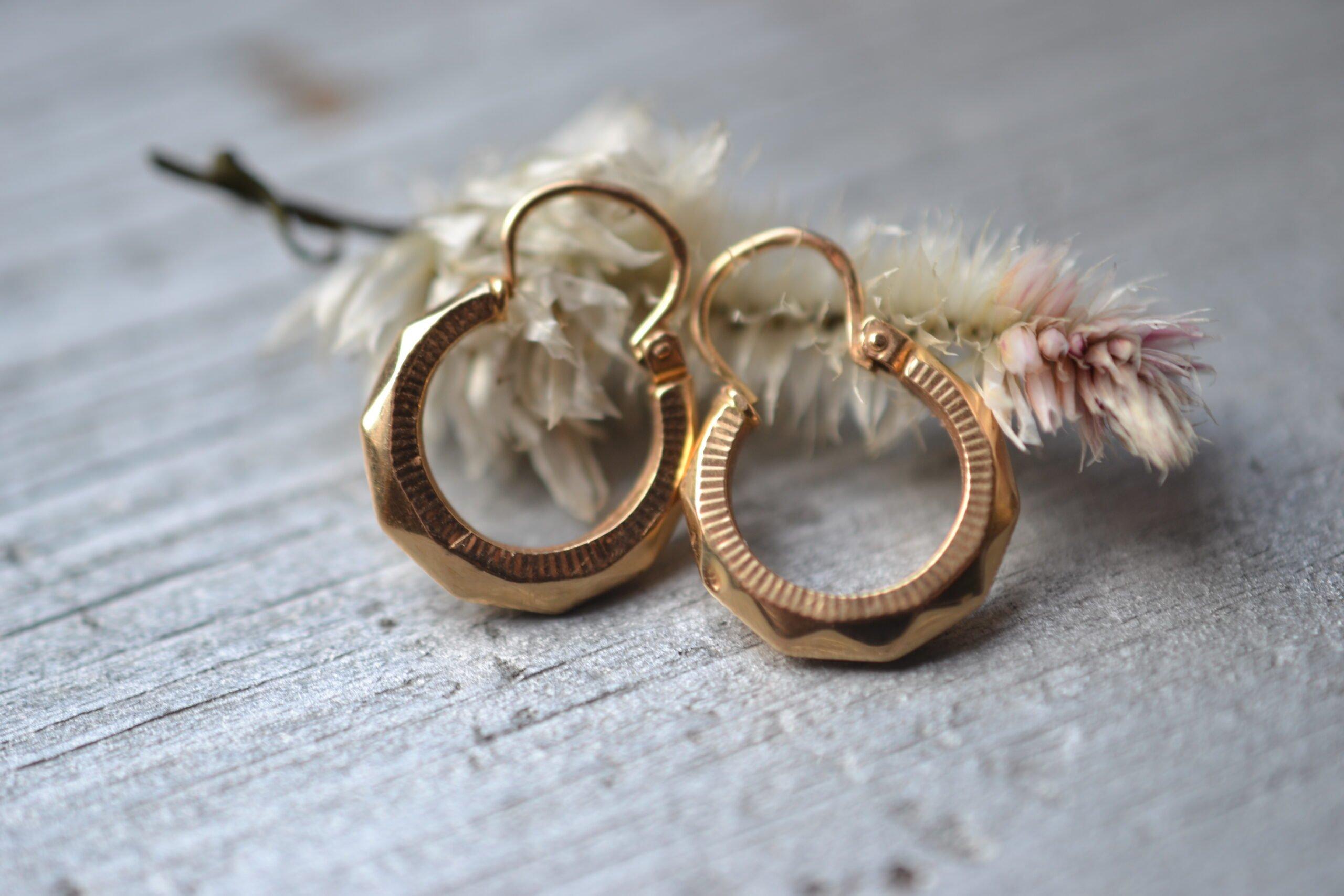 boucles d'oreilles - créoles vintage en Or 18 carats - un bijou ancien noircarat.fr