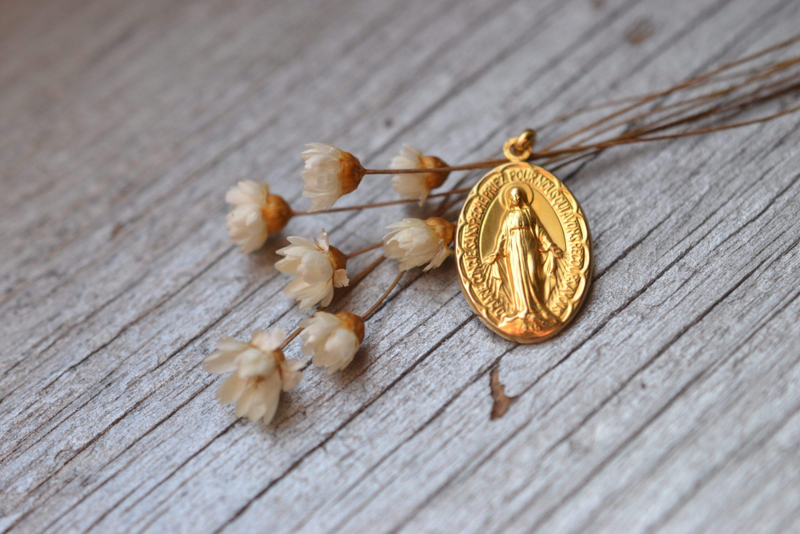 medaille miraculeuse ancienne de la vierge marie vintage - en OR massif 18K