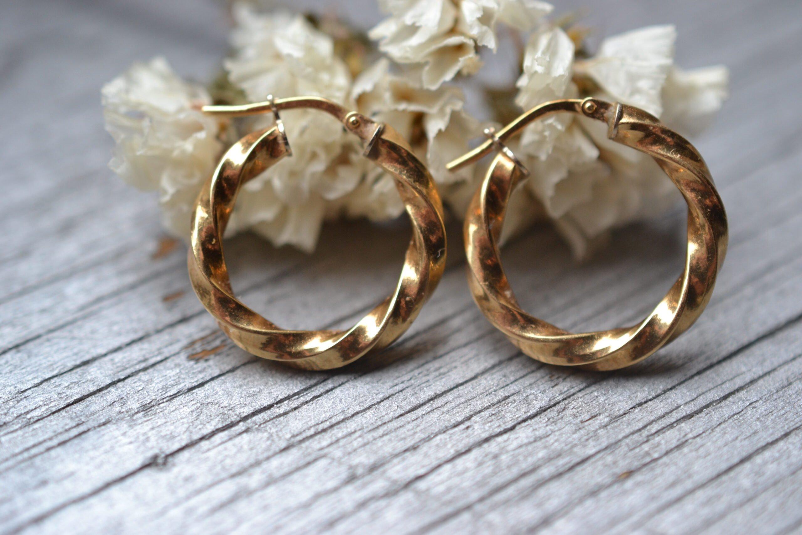 créoles vintages or jaune 18 carats seconde main bijoux anciens