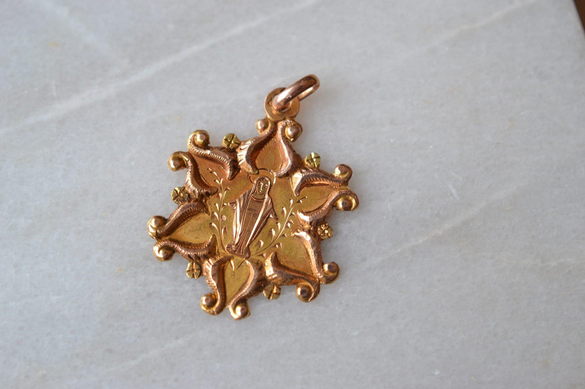 Médaille étoilée De La Vierge
