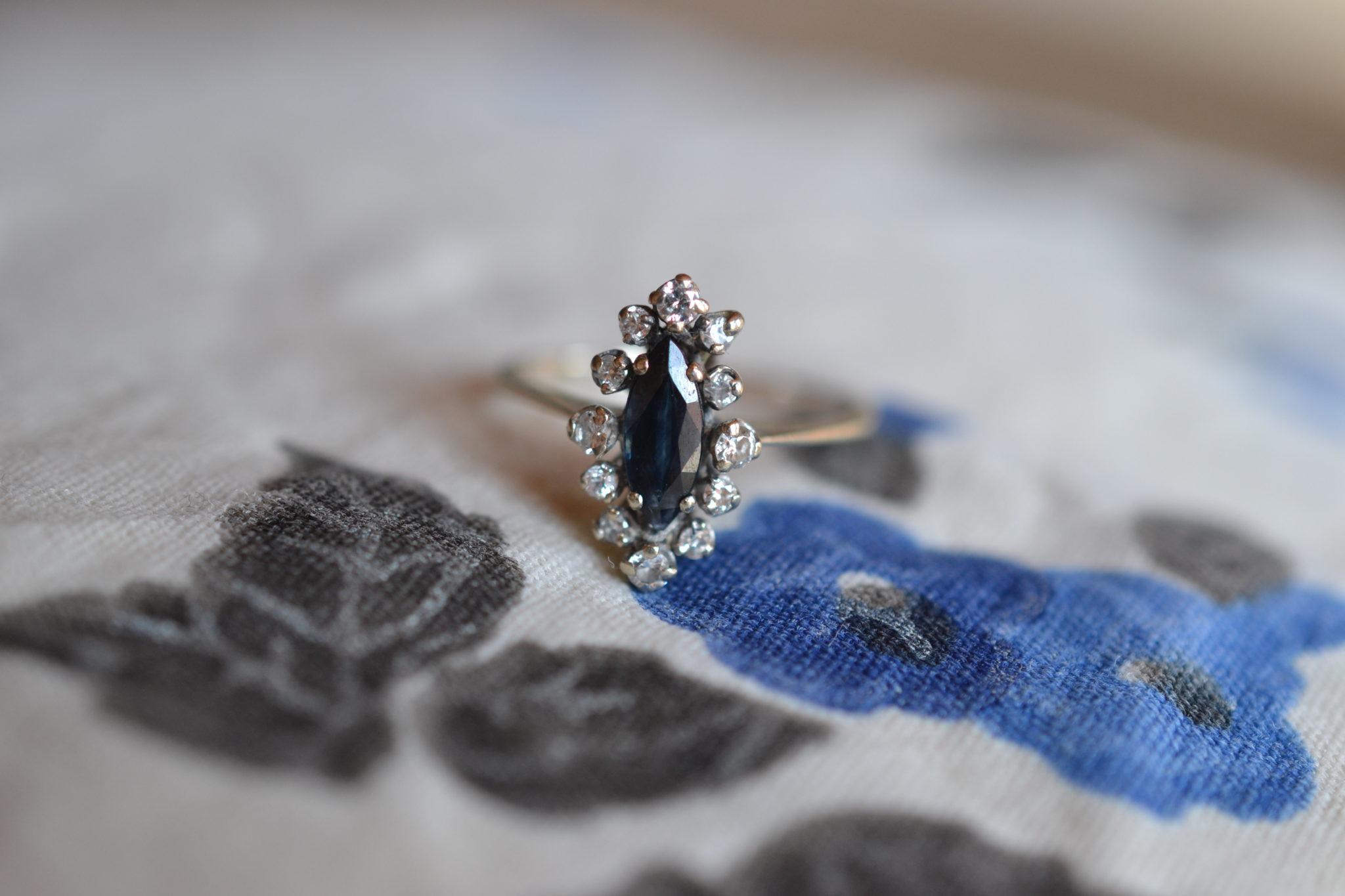 Bague Marquise Saphir Et Diamants - Bague Ancienne En Or Blanc - Bague De Fiançailles Vintage