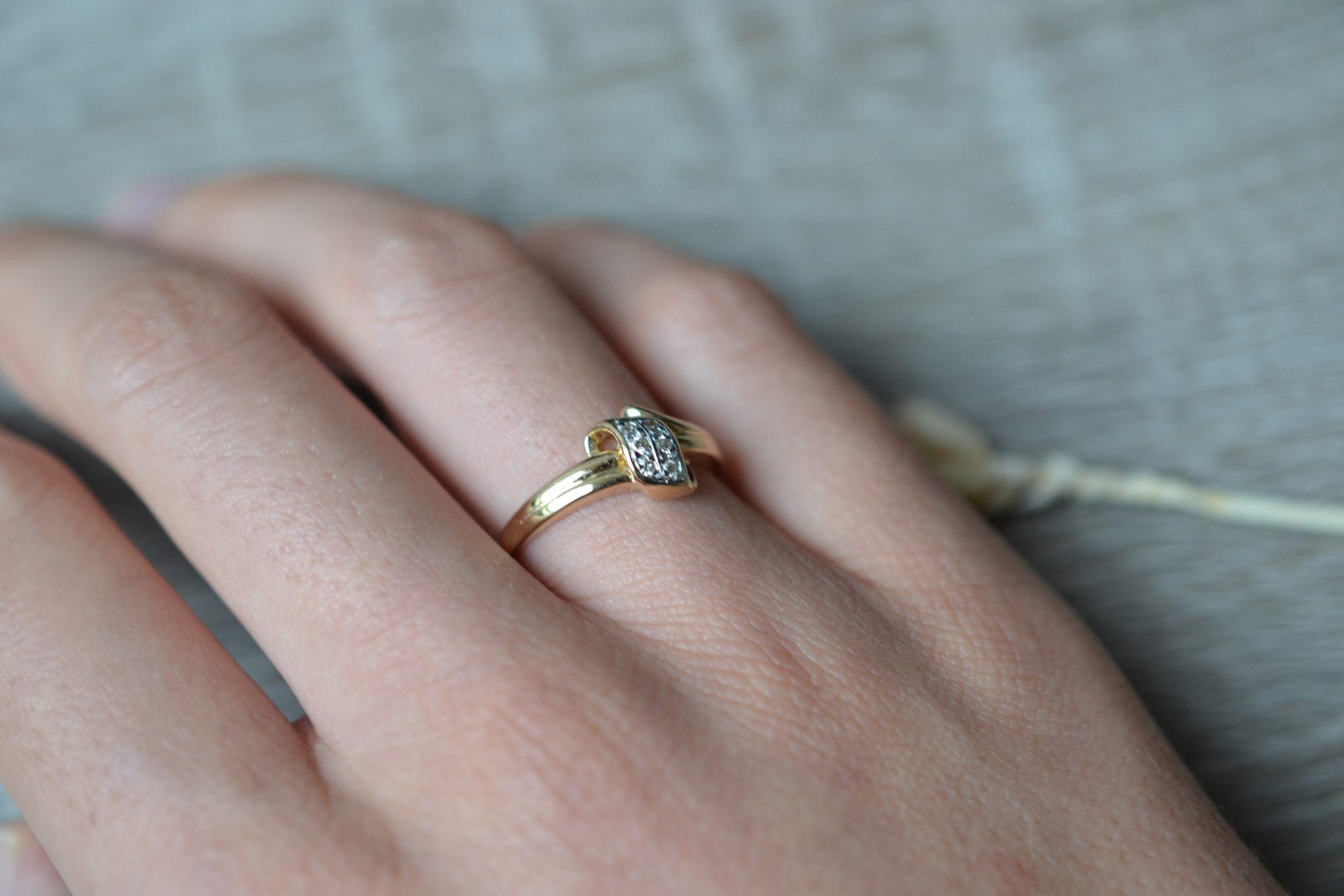 Bague or sertie de diamants bague rétro