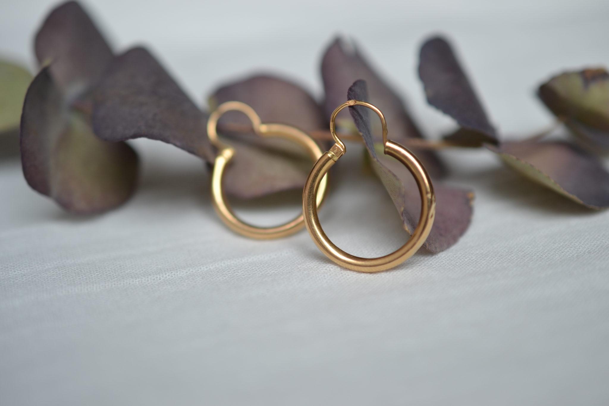 boucles d_oreilles Créoles pleines en or bijou ancien