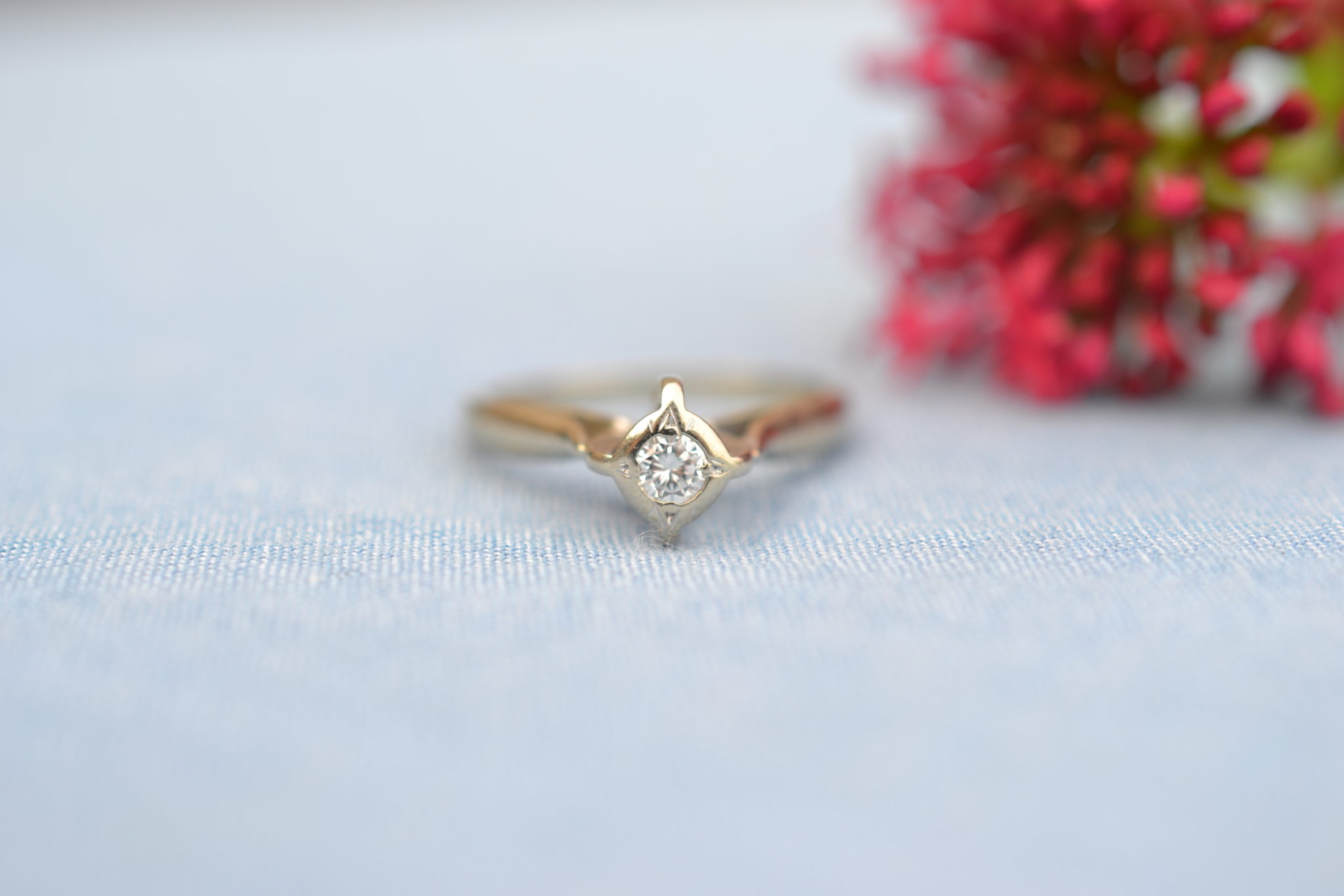Bague En Or Blanc, Haute Monture En Forme De Losange Sertie D'un Diamant Central Bijou éthique(1)