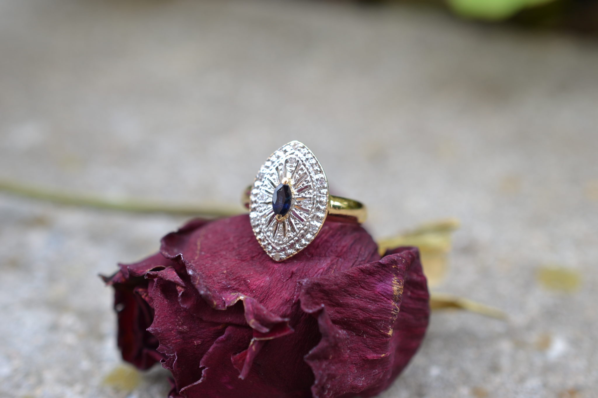 Bague Navette Saphir Et Diamants