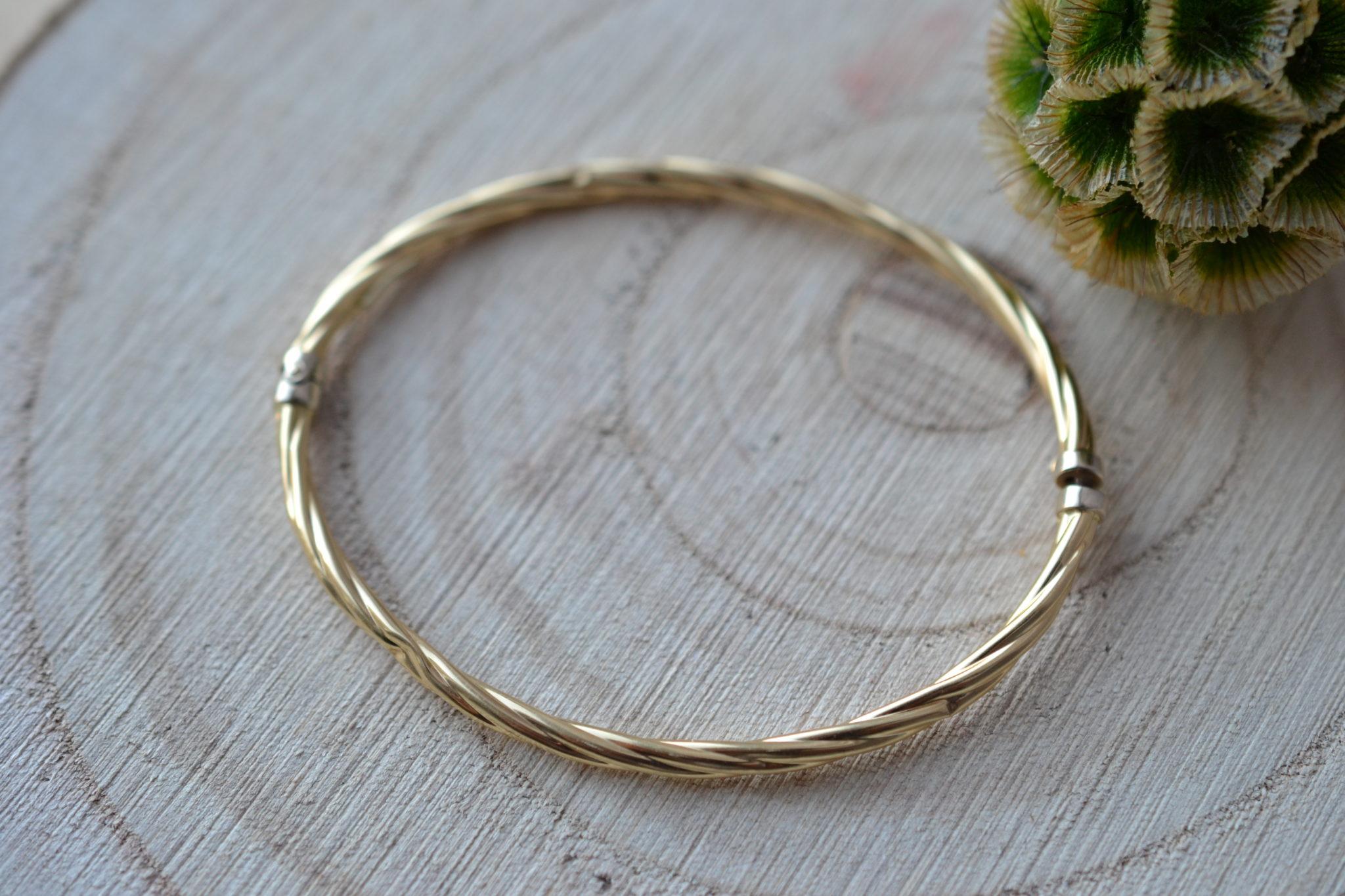 Bracelet rigide torsadé ouvrant en Or jaune - bijou Vintage