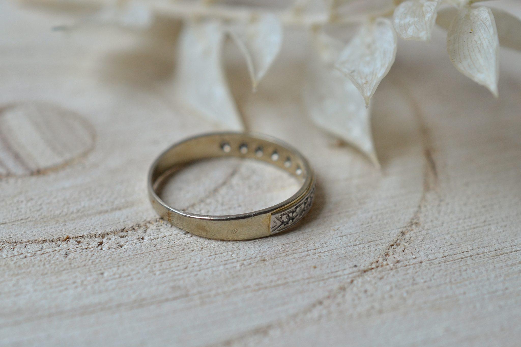 Anneau en platine et Or blanc orné de diamants 8_8 - bague de mariage Vintage et éco-responsable