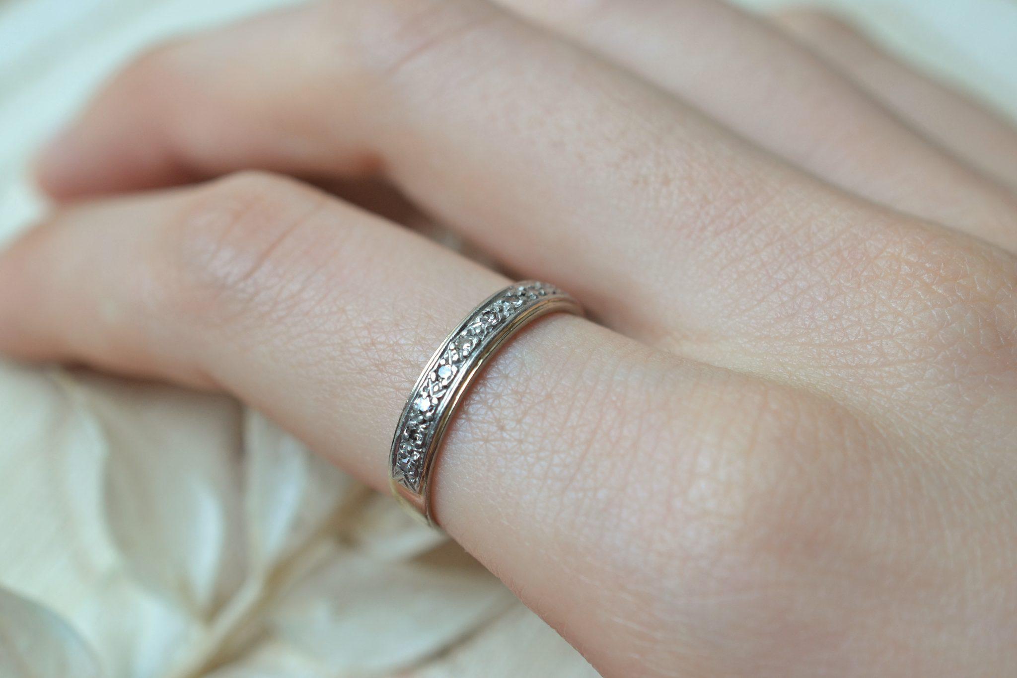 Anneau en platine et Or blanc orné de diamants 8_8 - bague de seconde main