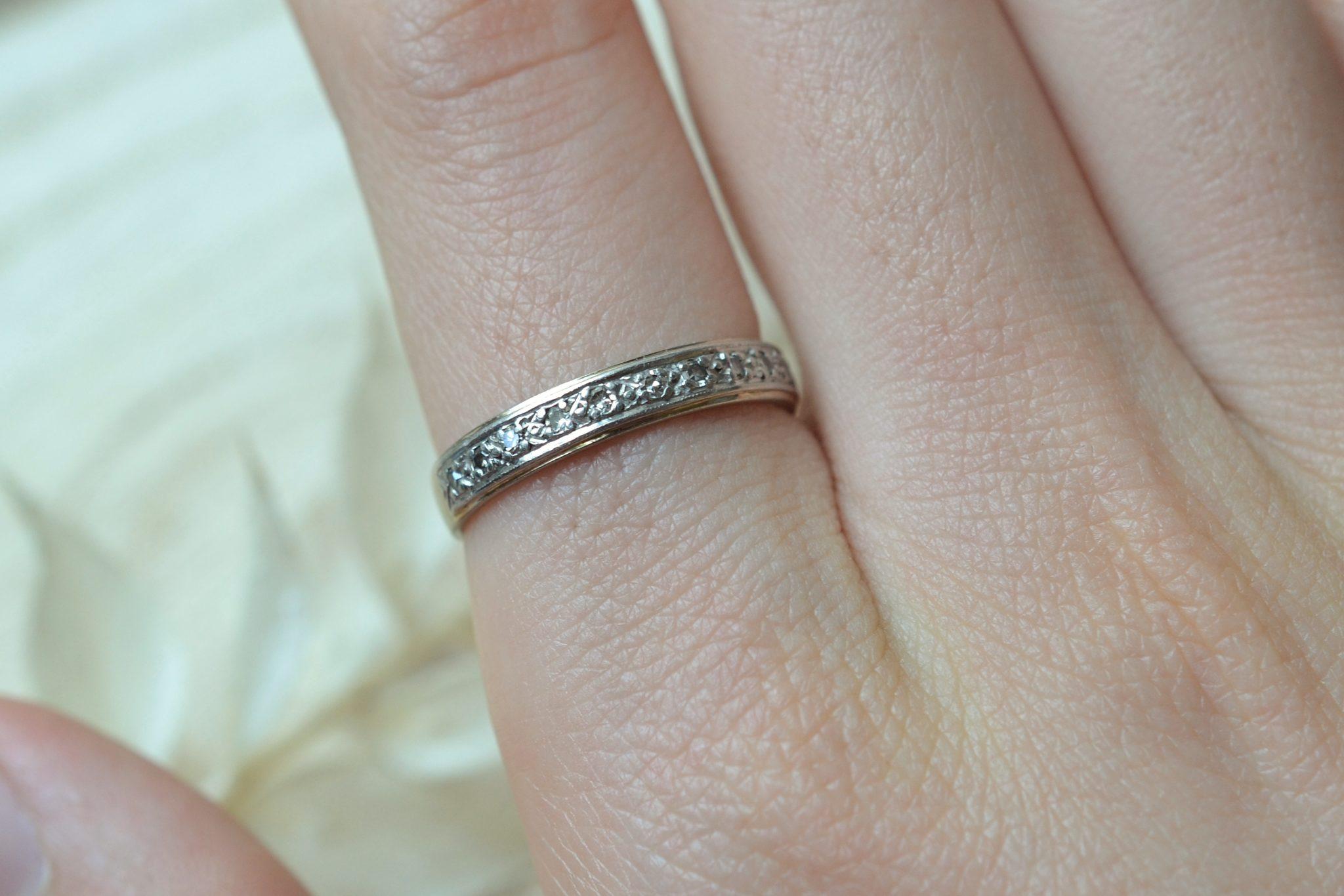Anneau en platine et Or blanc orné de diamants 8_8 - bague rétro