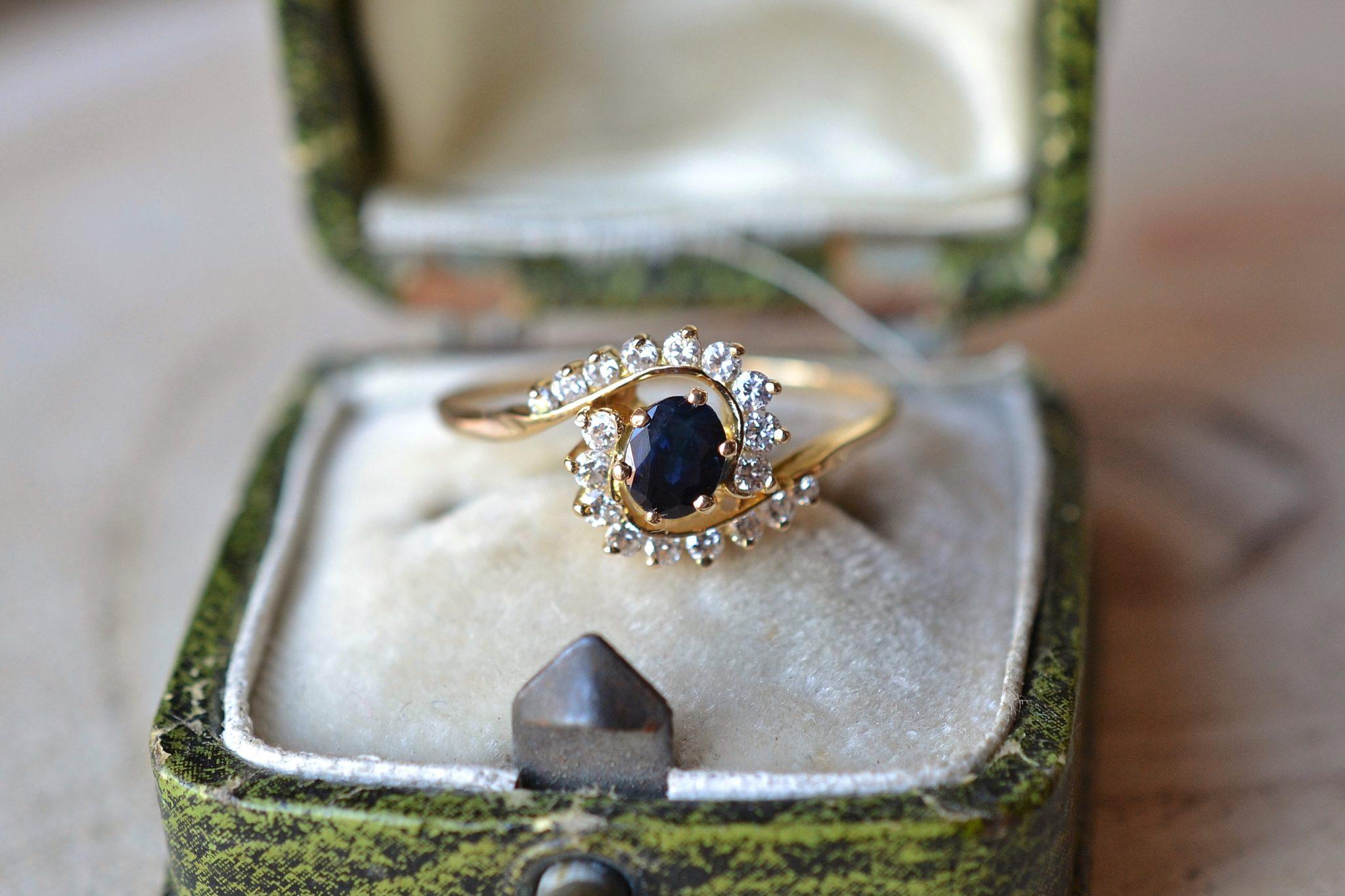 Bague Spirale Saphir & Diamants