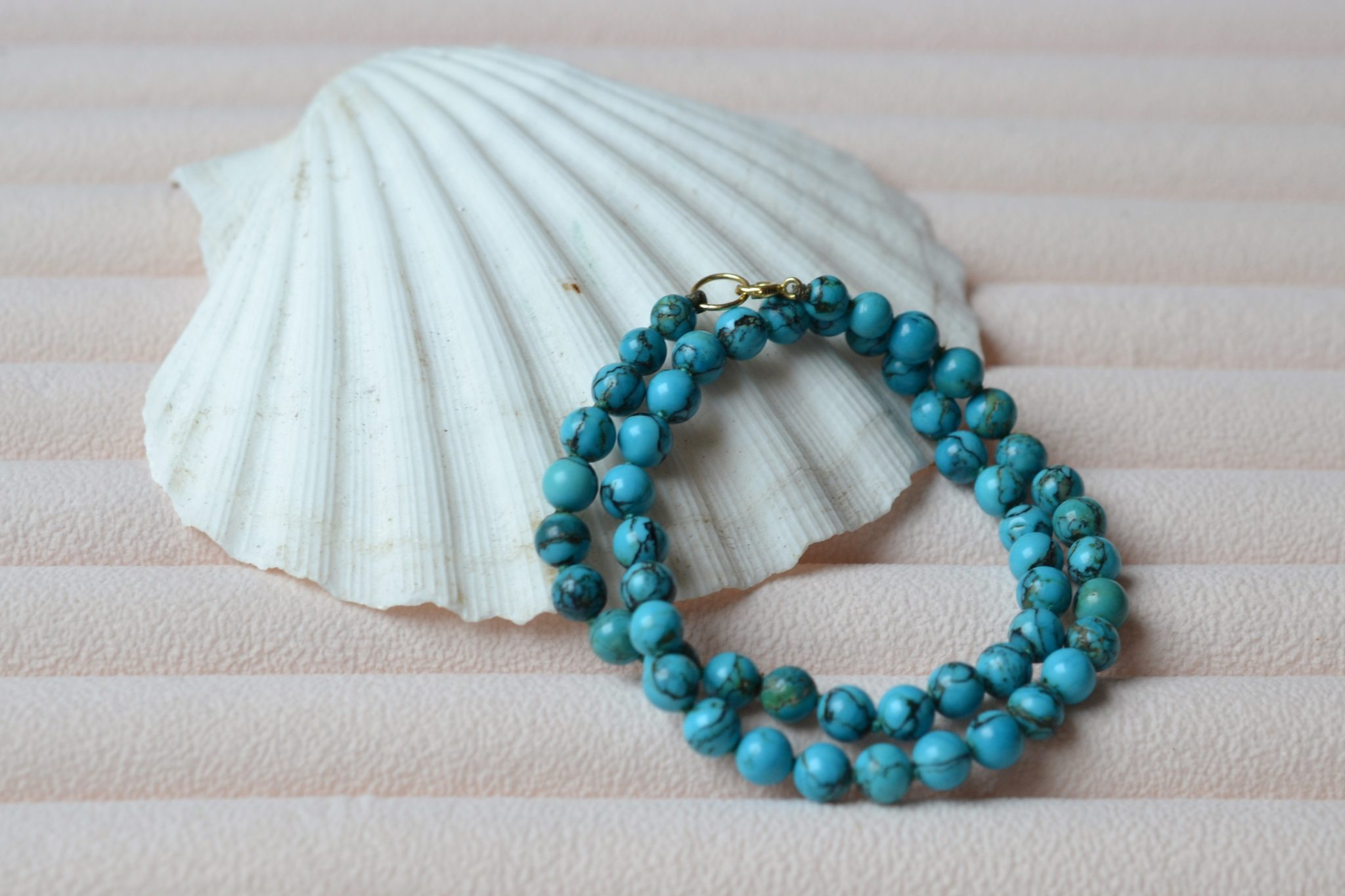 Collier-perles-de-turquoise-bijou-or-massif