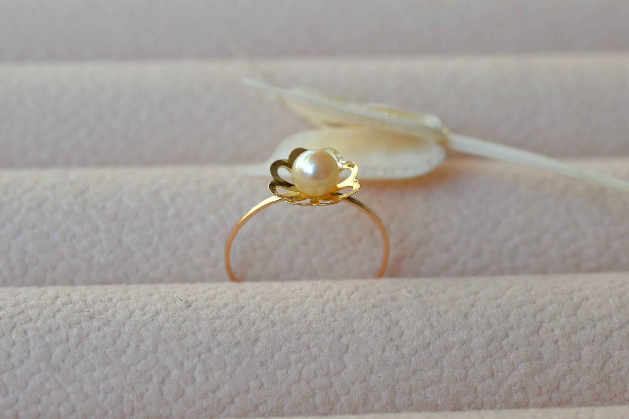 Bague monture fleur perle bijou ancien