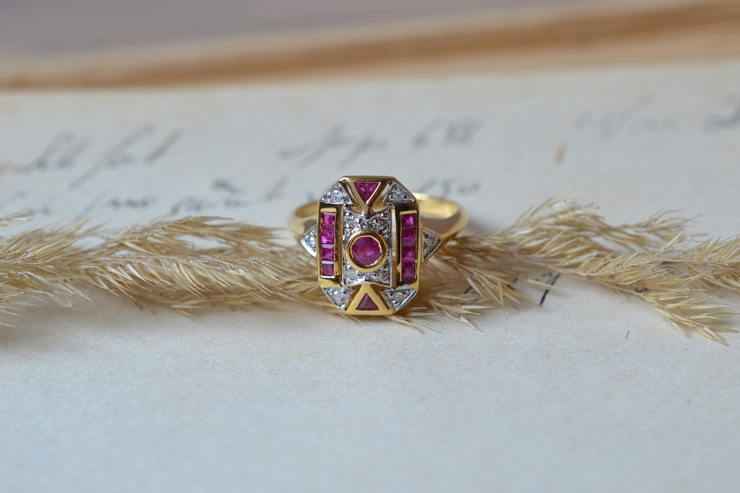 Bague Rectangulaire Rubis Et Diamants