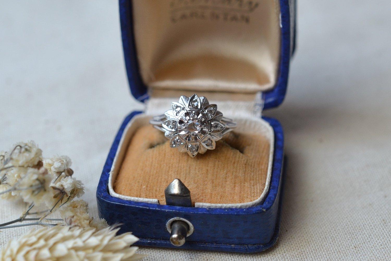 Bague Rosace Or Blanc Diamants