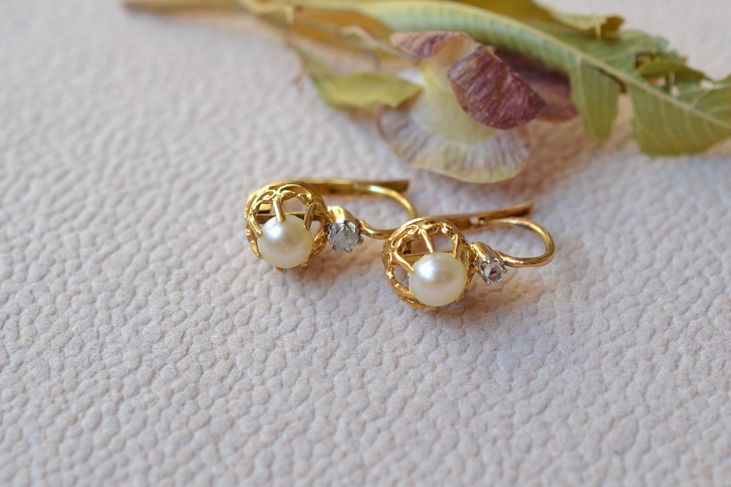 Dormeuses Perles Et Diamants Boucles D Oreilles En Or 18 Carats