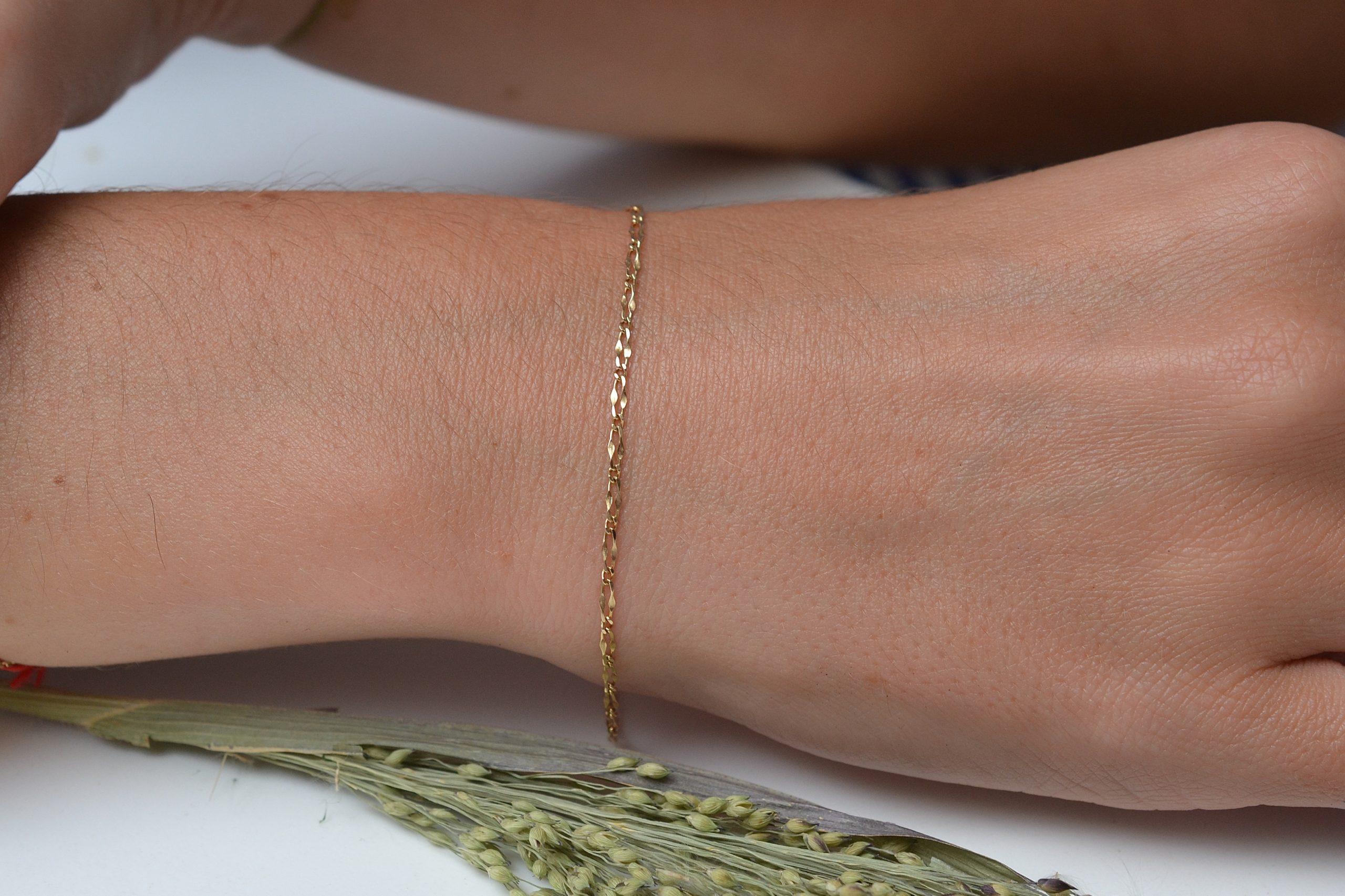Fin bracelet en Or jaune, maille figaro alternee (1x1) et torsadee - bracelet ethique et eco-responsable
