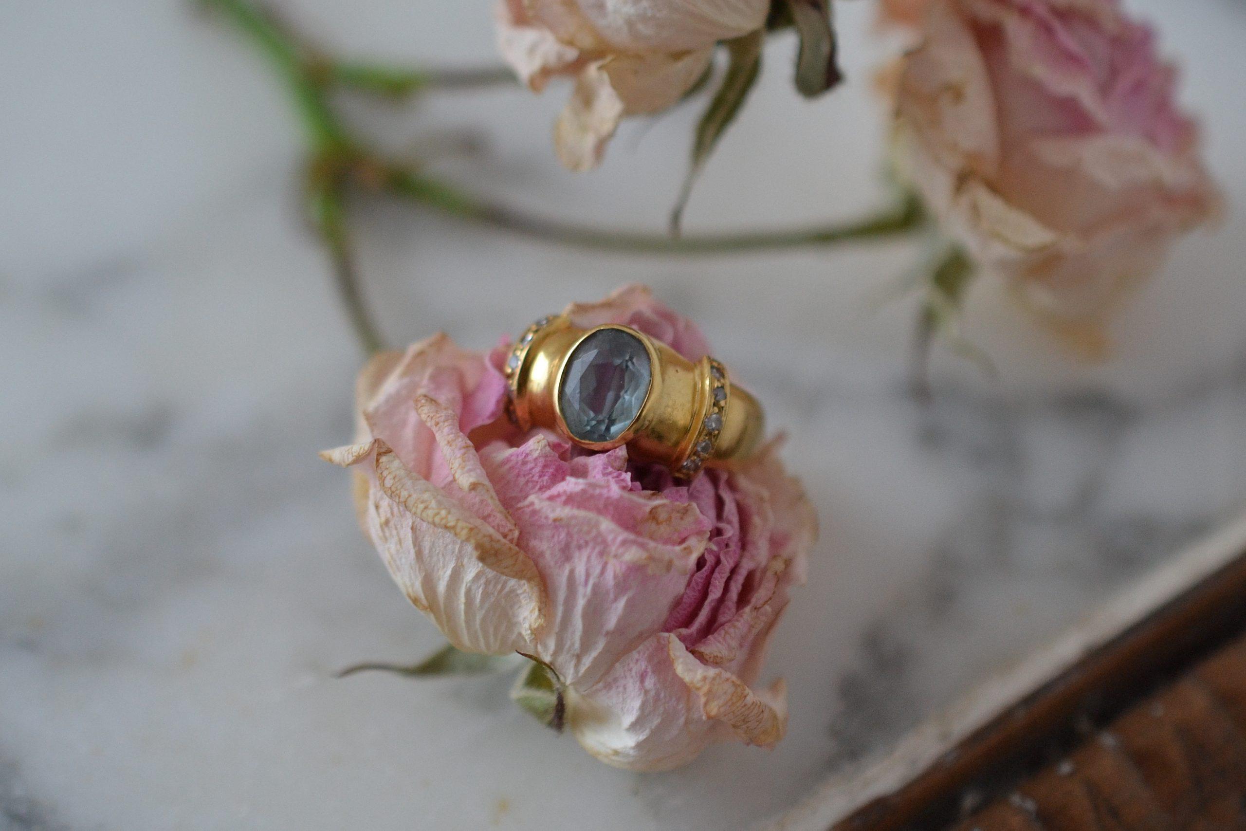 Bague-aigue-marine-et-diamants-bijou-vintage