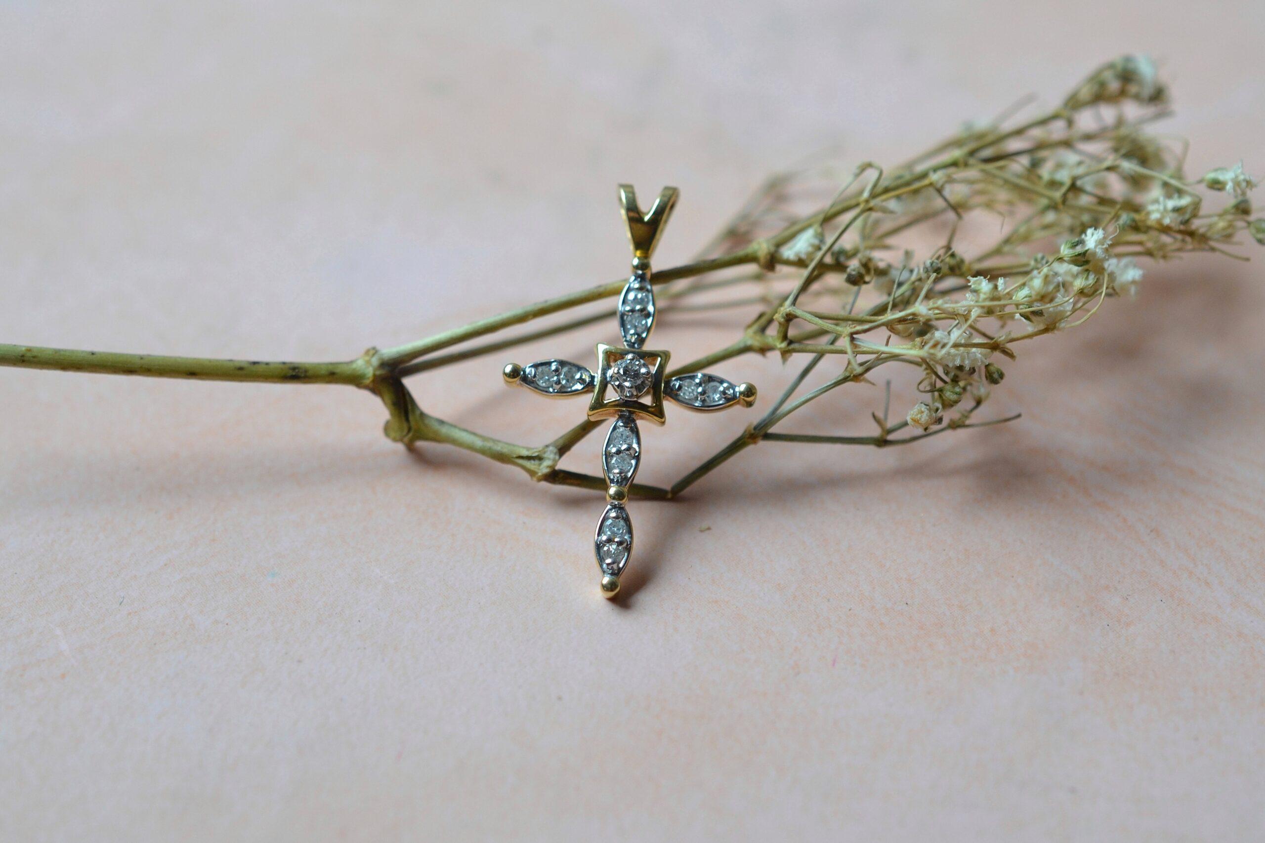 pendentif-croix-diamants-bijou-ancien