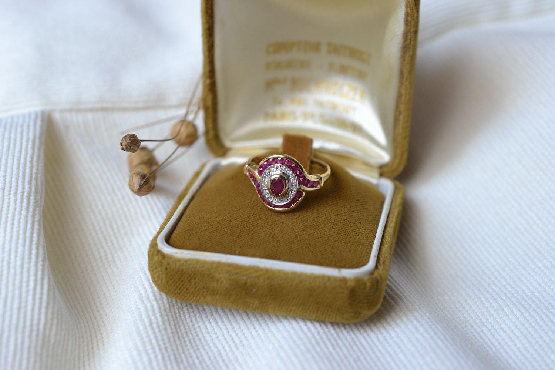 Bague Ovale Rubis & Diamants