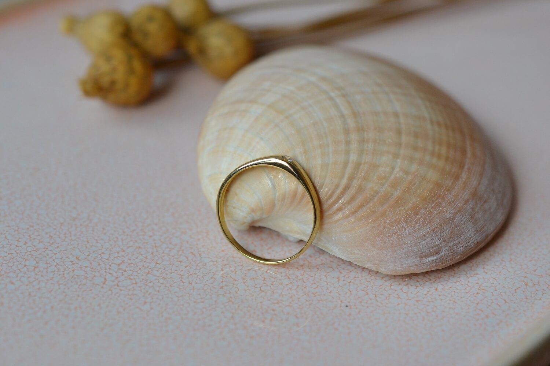 Bague Jonc Anglais en Or jaune sertie d une pierre d imitation blanche - bague ancienne
