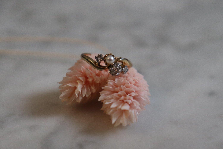 Bague Toi et Moi en Or jaune sertie d_une perle et de diamants - bague ancienne