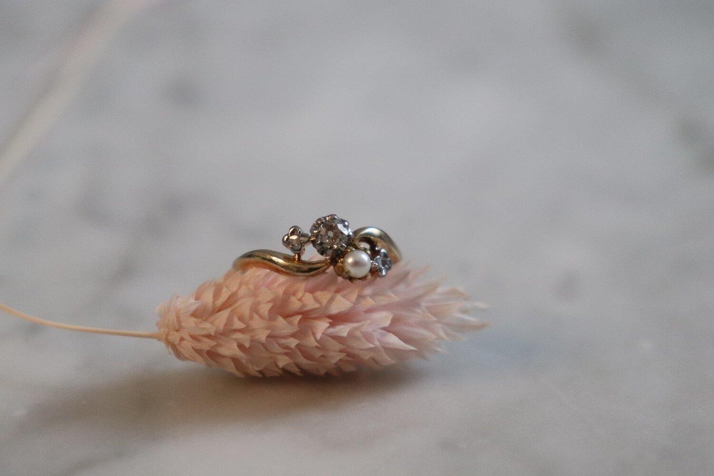 Bague Toi et Moi en Or jaune sertie d_une perle et de diamants - bague eco responsable